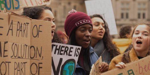 """""""Zajedno smo nezaustavljivi"""" knjiga o mladim aktivistima koji se bore protiv klimatskih promena"""